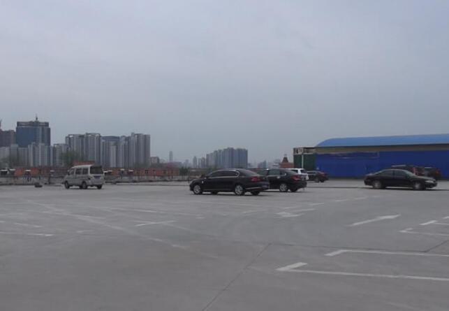 R2线二环东路站开建 七里堡市场楼顶将规划停车位