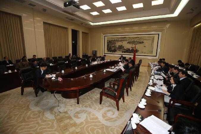 王忠林主持市政府常务会 轨道交通建设要提速