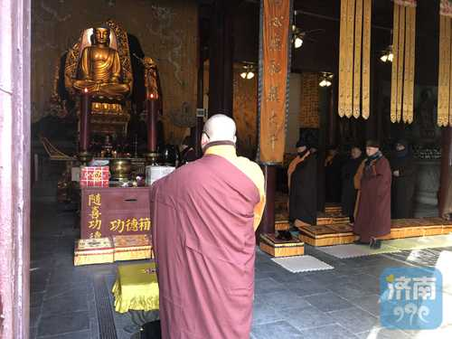 """灵岩祈福丨腊月二十六大灵岩寺僧团为百""""福""""加持"""