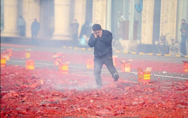 """春节无""""硝烟"""" 是良俗和善治的共识"""