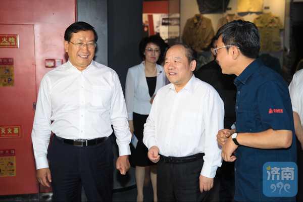 国家统计局局长宁吉喆来济调研 王忠林陪同