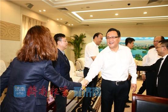 孙述涛出席平阴玫瑰谷项目签约活动