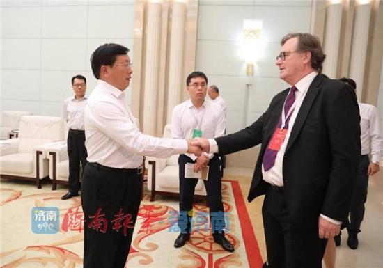 王忠林孙述涛会见参加新动能高层次人才创新创业大赛嘉宾代表