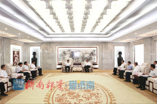 孙述涛会见淄博市张店区党政考察团一行
