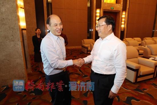 王忠林会见省政协港澳委员考察团一行 雷杰参加