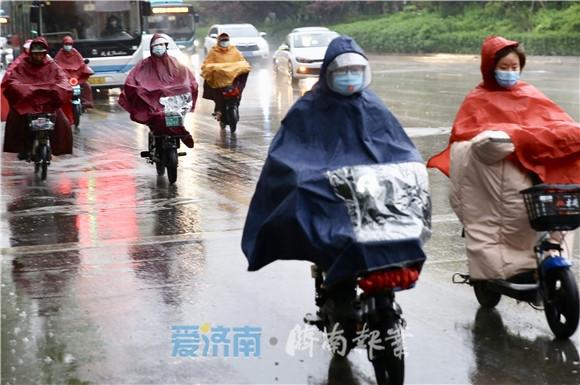 春雨来啦!今日泉城风雨齐聚,气温骤降至10°C