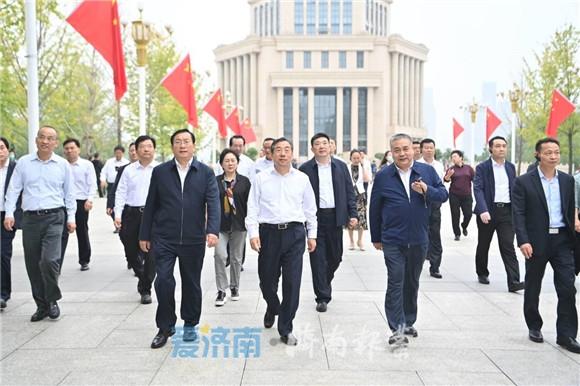 """黄河""""牵手""""长江,泉城与江城并肩前行!"""