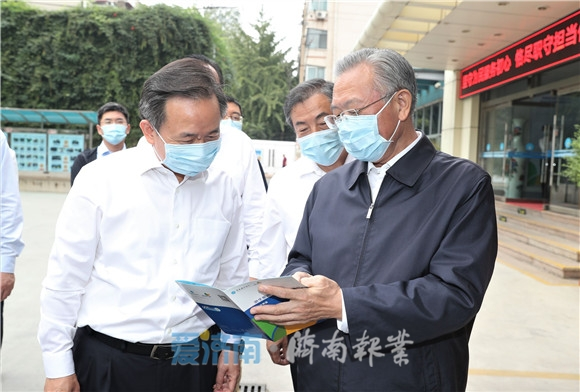 刘家义李干杰在济南调研 加强节日市场供应和服务保障营造和谐有序节日氛围