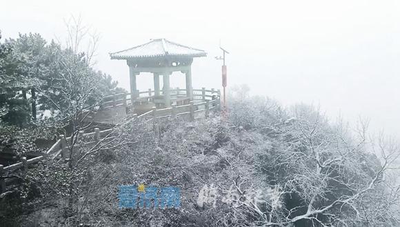 济南下雪啦!雪花已抵达南部山区,市区再等等,雨雪傍晚到