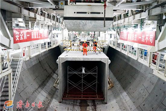 """""""万里黄河第一隧""""正式贯通!10月建成通车,最快2.5分钟穿黄"""