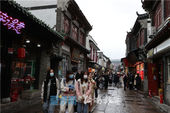 清明假期濟南17家景區接待游客63.6萬人次 營收1399.1萬元