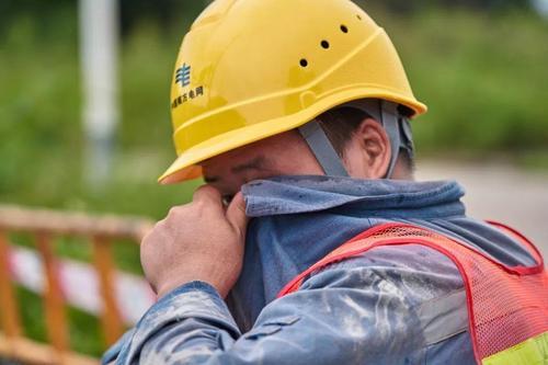 山东下月起上调企业职工防暑降温费 室外、高温作业每人每月300元
