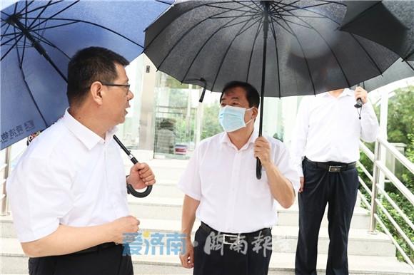 孙立成检查防台风准备工作时强调 扎实做好各项准备 全力以赴防汛防台风