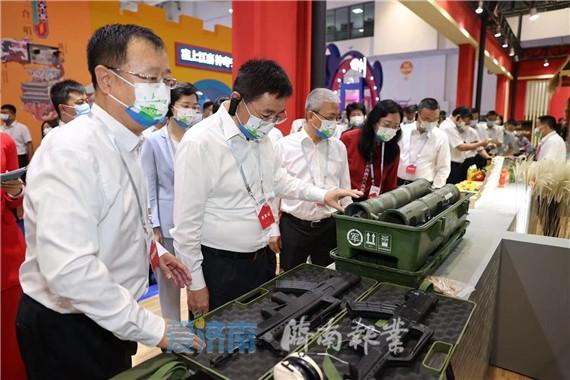 第二届中国国际文化旅游博览会开幕 白玉刚参加活动